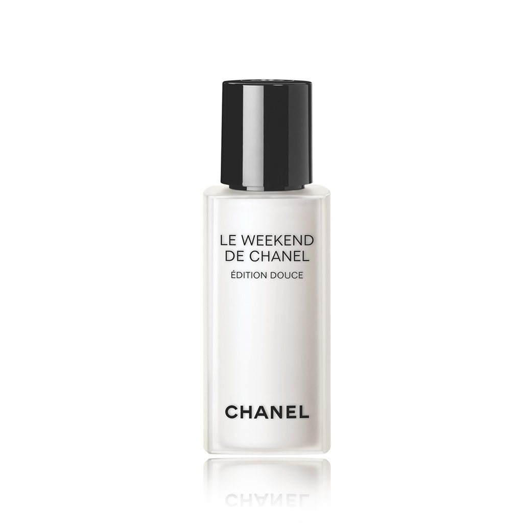 Chanel-LE-WEEKEND-EDITION-DOUCE-72295.jpg